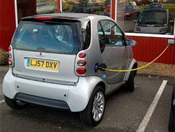 Великобритания выпустит на дороги сотни электрокаров