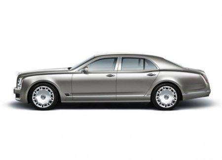Компания Bentley официально представила новый роскошный седан