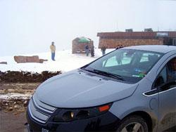 Гибрид Chevrolet Volt заехал на гору высотой 4300 метров